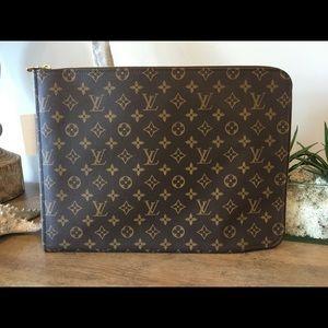Louis Vuitton portfolio
